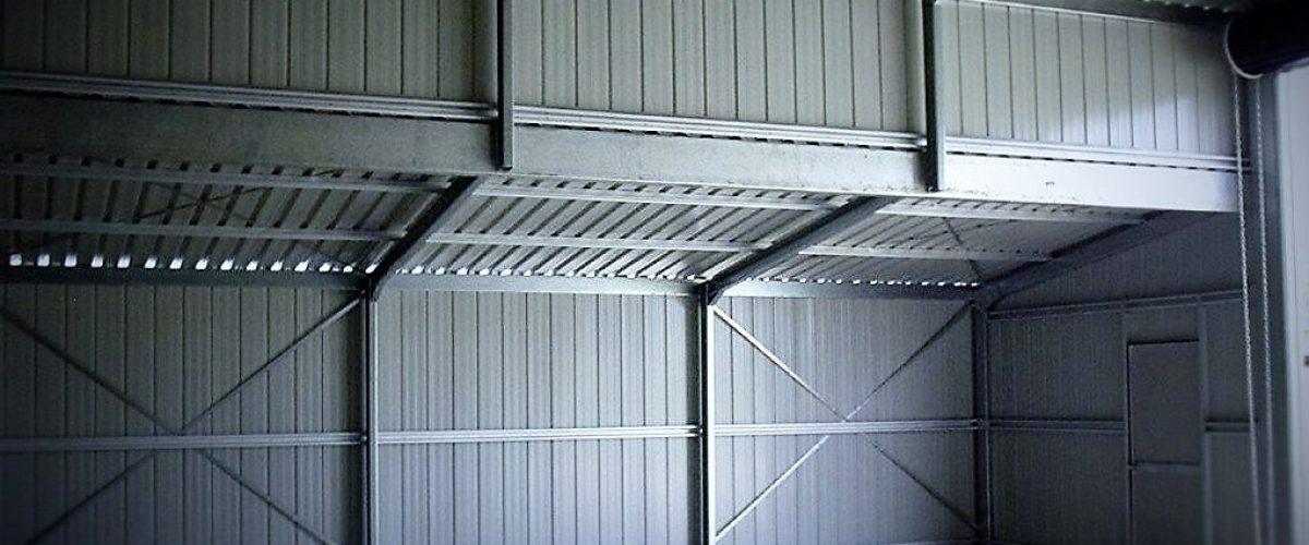 Clear span barn interior