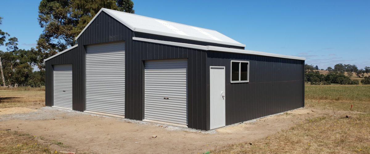 3-door raised monitor barn