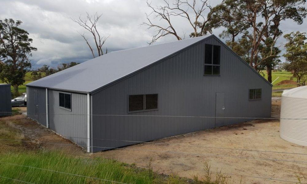 Barn with mezzanine